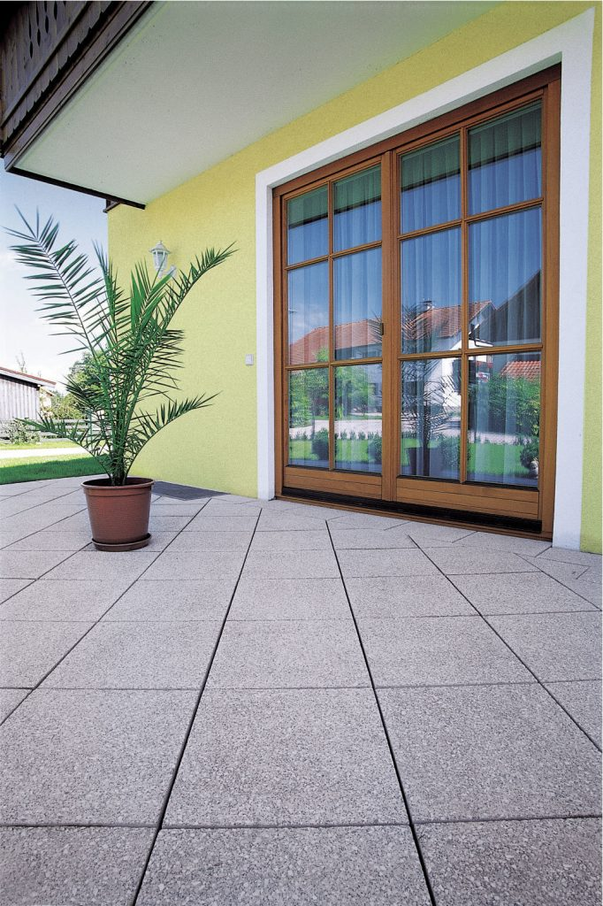 terrasse mit betonplatten opus verlegt