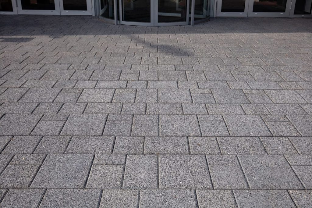 Betonpflastersteine Verlegung im Reihenverband
