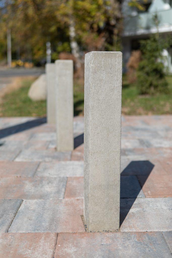 betonpalisaden als einfahrtssperre