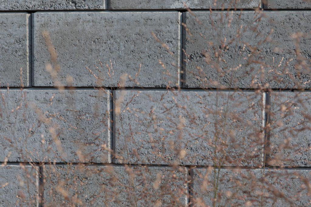 hohlsteine für gartenmauer detail aufnahme